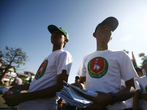 A file picture of USDP campaigners from elections in 2010. (PHOTO: DVB)