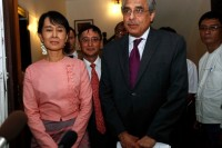 The special advisor to UN Secretary-General Ban Ki-moon, Vijay Nambiar, right, seen here in 2011, addressed the handling of the situation in northern Arakan State by State Counsellor Aung San Suu Kyi, left, in a statement on Thursday.
