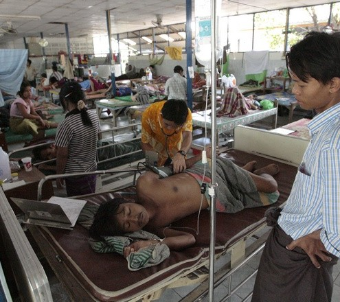 A patient from Burma receives treatment at the Mae Tao clinic in northwest Thai town of Mae Sot (Reuters)