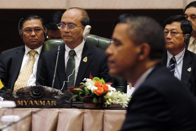 Burma's President Thein Sein and US President Barack Obama at the ASEAN-US Summit in Nusa Dua, Bali, on 18 November 2011. (PHOTO: Reuters)
