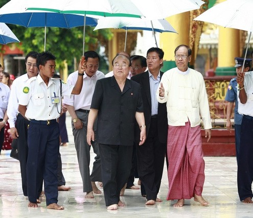 North Korea's Foreign Minister Pak Ui-chun visits the Shwedagon Pagoda in Yangon