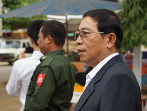 RCSS chairman Yawd Serk travels with a convoy to Kengtung, Shan state where talks were held between his group and a government peace team. (Toe Zaw Latt)