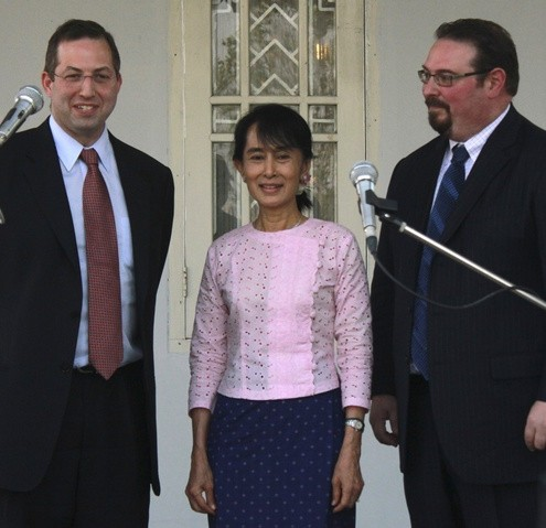U.S. Special Envoy to Myanmar Mitchell and U.S. ambassador for human trafficking CdeBaca meet Myanmar pro-democracy leader Suu Kyi in Yangon