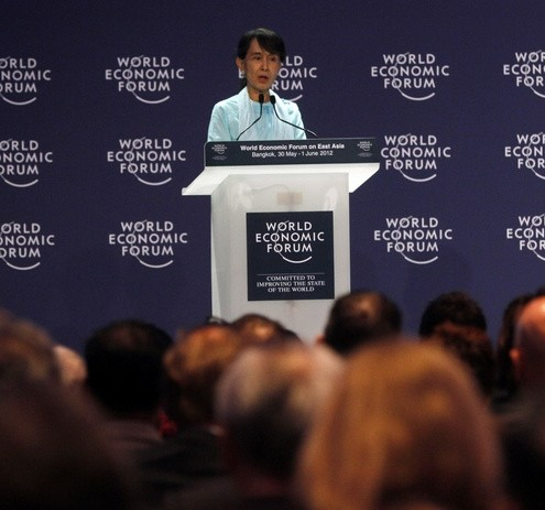 Myanmar&#039;s pro-democracy leader Aung San Suu Kyi speaks during the World Economic Forum on East Asia in Bangkok