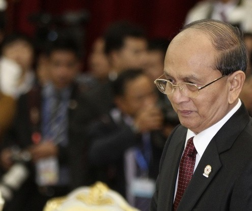 Myanmar's President Thein Sein arrives for the 20th ASEAN summit meeting at the Peace Palace in the Office of the Council of Ministers in Phnom Penh