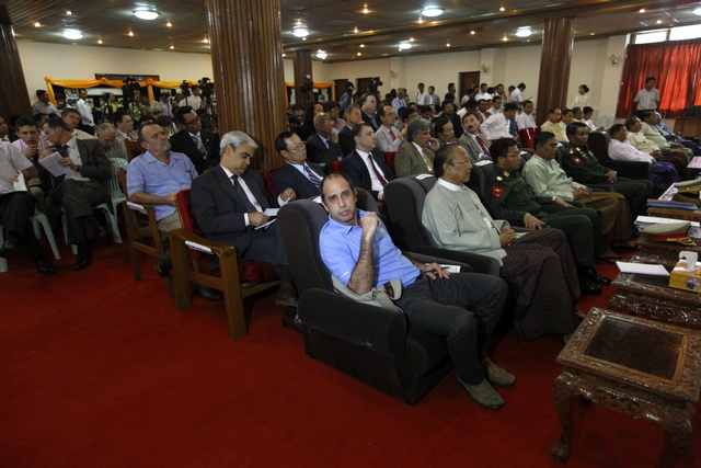 UN Human Rights Special Envoy Tomas Ojea Quintana (in blue) attends a news conference on Rohingya-related unrest in Arakan State in Rangoon on 30 July 2012. (Reuters)