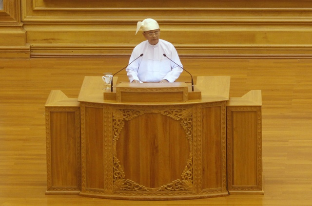 President Thein Sein delivers a speech at the Union Parliament in Naypyidaw on 1 March 2012. (Reuters)