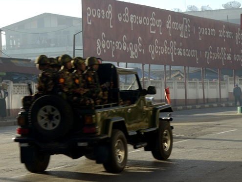 File photo: A truck carries Burmese troops through a town in Shan state (PHOTO: DVB/ Sai Kyaw Khaing)