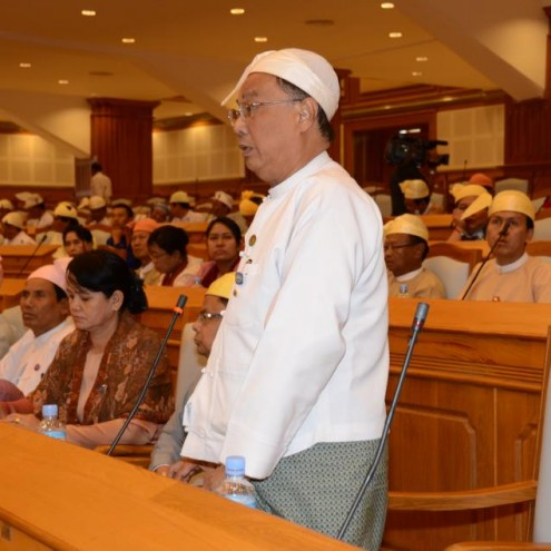 Dr Soe Yin addressed Burma&#039;s lower house of parliament, 17 January 2013 (Facebook)