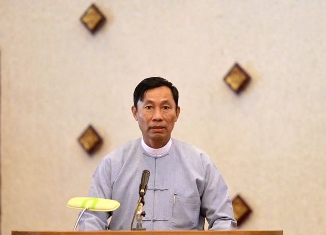 Shwe Mann, speaker of the Lower House of Parliament, gives a speech during a meeting of Rule of Law and Peace and Stability Committee of House at Rangoon Division Parliament in Rangoon on 8 September 2012. (Reuters)
