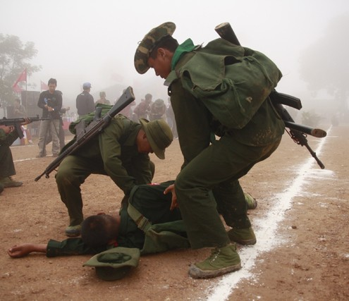 Shan-rebels-carry-out-a-military-drill-at-their-headquarters-in-Loi-Taileng-February-2011-Francis-Wade-495x427.jpg