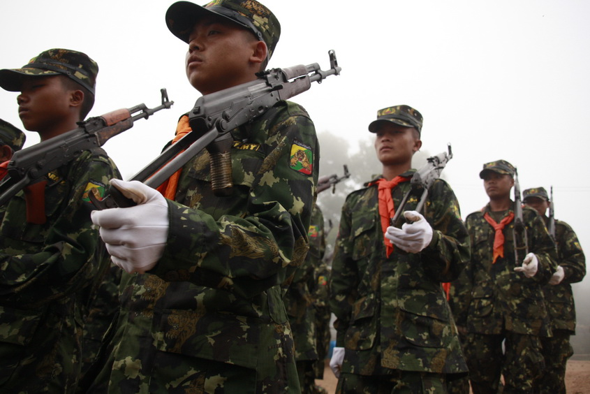 Shan State army (pictured) have been urged to end the fighting with the Ta-an National Liberation Army (TNLA) in Northern Shan state. (PHOTO: Francis Wade/DVB)