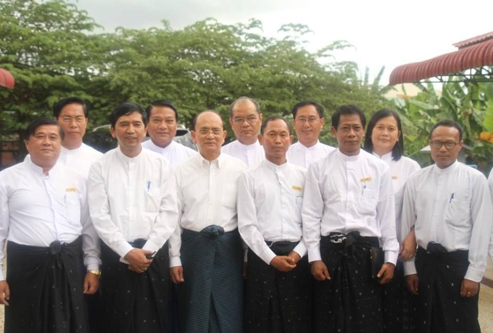 88 Generation Students meet President Thein Sein in Naypyidaw on 15 September 2013 (88 Generation Students)