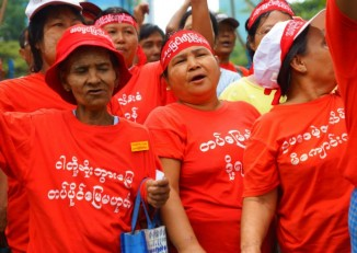 Villagers of Michaungkan protest in Rangoon for the return of seized farmlands. (PHOTO: DVB)
