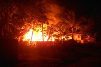 Tuesday night's fire in Duchira Dan village in Maungdaw Township, northern Arakan State.  (PHOTO: Ministry of Information)