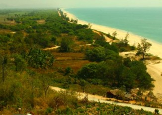The Dawei district coast in Tenasserim Division. (Photo: Evershed Mattingly)