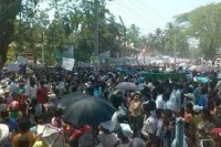 Hundreds of demonstrators  lined the streets of Mruak U on Saturday, contending the national status of the Rohingya (PHOTO: Democratic Party of Arakan)