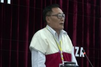 KNPP chairman Abel Tweed  delivers opening remarks at the final day of ceasefire talks in Laiza on Monday, 28 July 2014. (PHOTO: DVB)