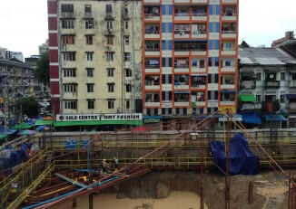 File photo of housing developments in downtown Rangoon, July 2014. (Photo: Feliz Solomon / DVB)