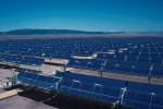 Part of a 354 MW Solar Energy Generating Systems (SEGS) parabolic trough solar complex in California. (PHOTO: Public domain)