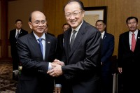 World Bank President Jim Kim with Burma's President Thein Sein in Washington DC on May 2013.  (PHOTO: World Bank)