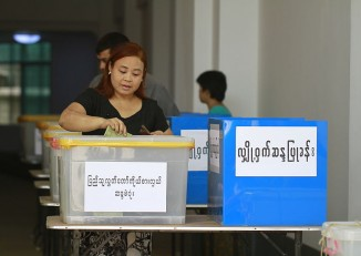 File photo of a Burmese woman voting (PHOTO: Wikicommons Media)