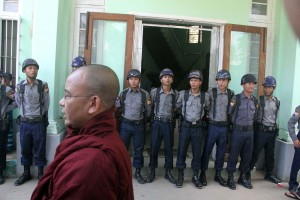 Buddhist monks patrol outside the Bahan courthouse. (PHOTO: DVB)