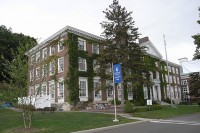 Bresee Hall, Hartwick College (Photo: WikiCommons, ErixS)