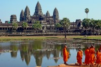 Buddhist monks in front of the magnificent Angkor Wat in northern Cambodia. (PHOTO: wikicommons)
