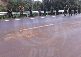 DKBA troops line the Asian Highway around Kawkareit on 2 July 2015. (PHOTO: DVB)