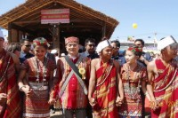 President Thein Sein joining in a Chin traditional dance in Hakha. (PHOTO: Chinland Post)