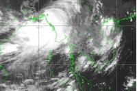 Cyclone Komen crossed the south coast of Bangladesh on Thursday evening. (PHOTO: Department of Meteorology and Hydrology Myanmar).