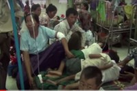 Dengue fever patients in Monywa General Hospital, 24 August 2015. (PHOTO: DVB)