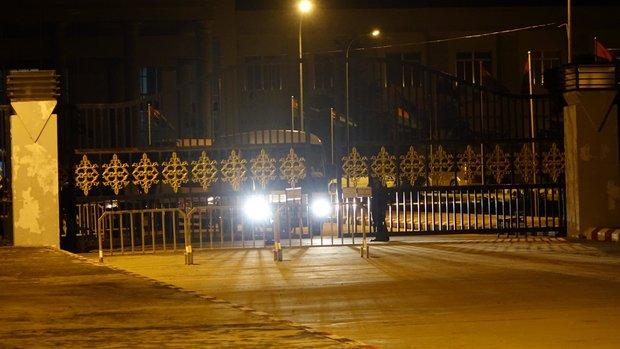 Vehicles surround the USDP compound in the early hours of 13 August 2015. (PHOTO: DVB)
