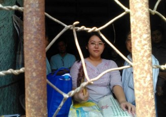 Chaw Sandi Htun appearing at court on 27 October. (PHOTO: Lin Satt Aung)