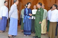 Suu Kyi meeting with Min Aung Hlaing (R) and Thein Sein (L) on 1 October, 2014. (PHOTO: DVB)