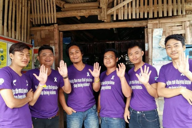 Supporters of the 2015 White Ribbon Day. (PHOTO: Women's League of Burma)