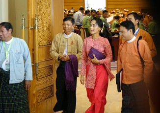 Aung San Suu Kyi pictured leaving the lower house chamber on 1 February 2016. (PHOTO:DVB)