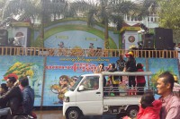 Thingyan revelers pass a stage in Rangoon. (Photo: DVB)