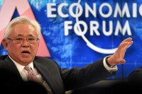 Serge Pun taking part in a talk at the World Economic Forum on 23 January 2015. (Photo: WEF)