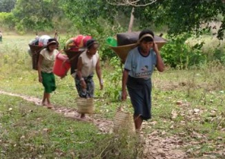 Arakanese villagers fleeing recent fighting between Burmese government troops and the Arakan Army. (Photo: DVB)