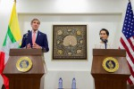 US Secretary of State John Kerry, left, and Burma's foreign minister, Aung San Suu Kyi, speak to reporters in Naypyidaw on 22 May 2016. (Photo: US State Department)