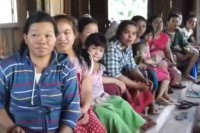 Internally displaced persons take shelter in a neighbouring village after being forced to flee their homes by recent fighting in Shan State's Kyaukme Township. (Photo: DVB)