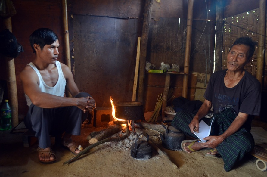 Za Hkawng, right, was forced to leave his village amid fighting between government forces and Kachin rebels and has since been living in N-Hkawng Pa IDP camp. (Photo: Htet Hkaung Linn / Myanmar Now)