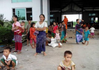 Local villagers displaced by recent fighting between DKBA and BGF forces in Karen State take shelter in Myainggyingu, some 70 km north of the state capital Hpa-an. (Photo: DVB)