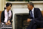 Then-opposition leader Aung San Suu Kyi speaks with US President Barack Obama in the Oval Office of the White House in this file photo from 19 September 2012. (Photo: Reuters)