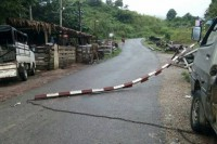 A barrier was smashed down when a truck, suspected of carrying illegal logs, crashed through a checkpoint in Myochaung, Kyauktaga Township, Pegu Division, on 3 September 2016. (PHOTO: DVB)