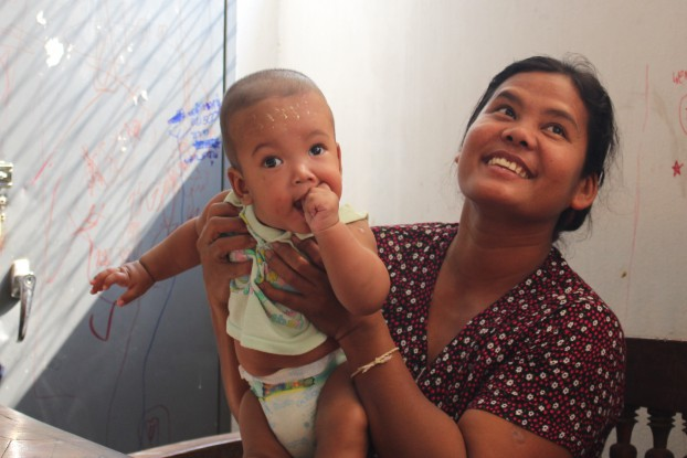 While married women in Burma continue to have a high fertility rate, the country's overall birthrate is lowered by the growing number of women who never marry. (Photo: Libby Hogan / DVB)