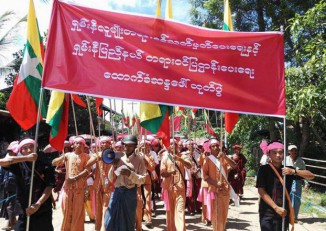 Thousands of Red Shan demonstrators turned out in the streets of Homalin, northern Sagaing Division, on 17 September 2016 to demand self-rule. (PHOTO: DVB)