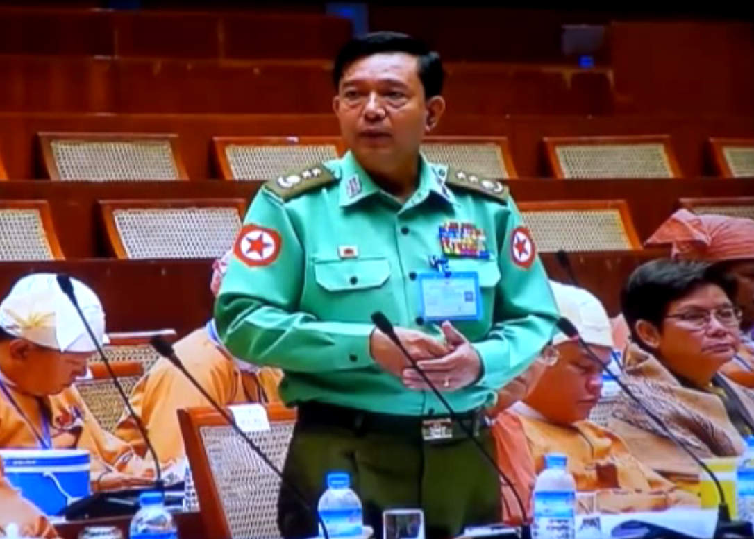 Rangoon Division Border and Security Affairs Minister Col. Tin Aung Tun addresses the Rangoon Division parliament on 3 October 2016. (Photo: DVB)